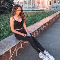 Алёна Золотова