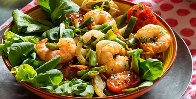 Какие виды салатов из морепродуктов?