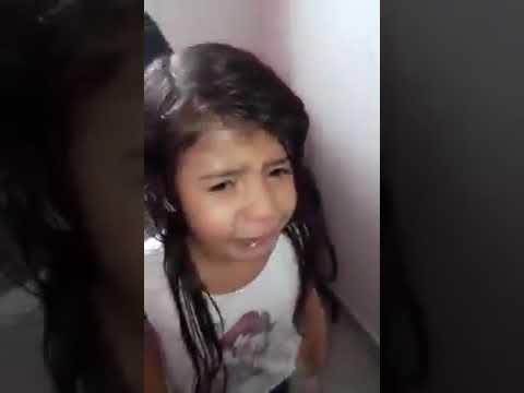 Criança chora ao descobrir que é baiana