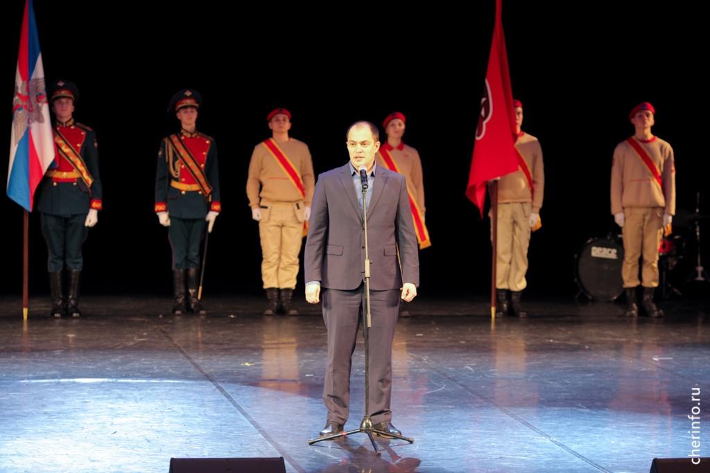 Церемония вступления в Юнармию прошла сегодня во Дворце химиков.