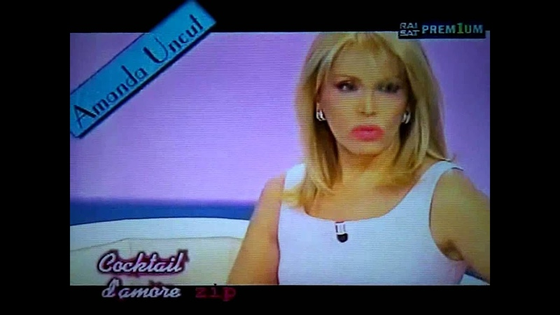 Fuori Onda di Amanda Lear a Cocktail D'Amore Rai 2 2002