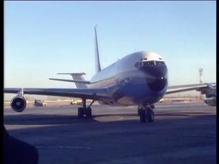 Хиллари Клинтон прилетает в Новосибирск, 16 ноября 1997