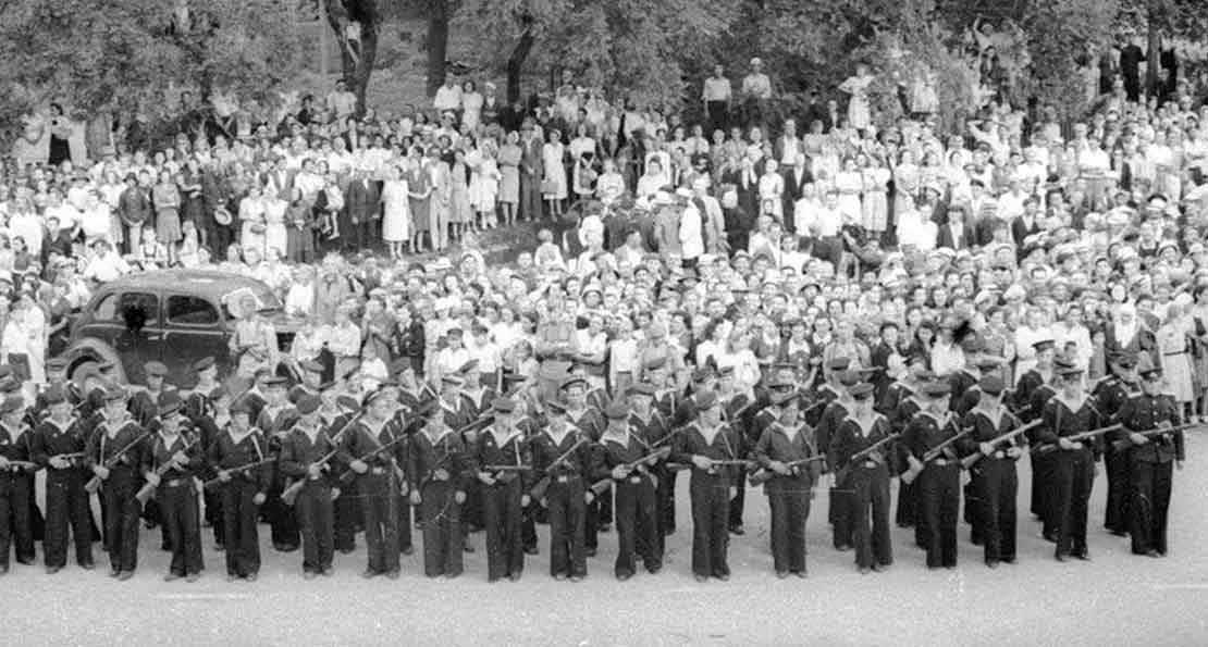 Советские моряки
