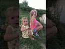 Ах, ты степь широкая. Две милые девочку поют песню.