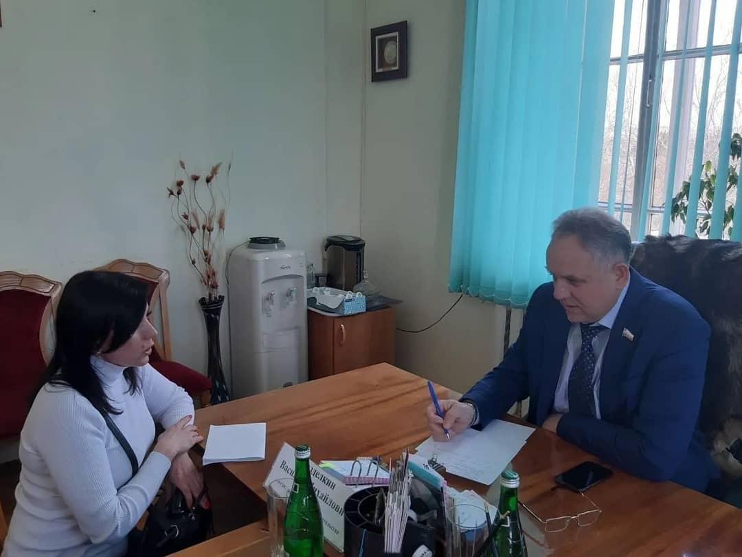 Заместитель председателя регионального правительства Василий РАЗДЕЛКИН провёл личный приём в Петровске