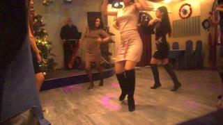 Обалденный танец девушек под кавказскую музыку!!!