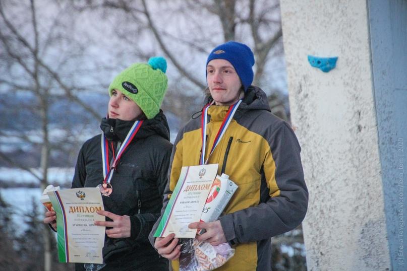 Главные отечественные ледолазные старты сезона финишировали в городе Кирове в минувшие выходные – чемпионат и первенство России по альпинизму. Всем было что доказывать и что терять…, изображение №88