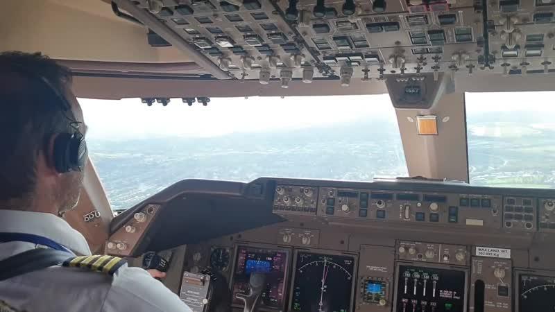 ПОСАДКА БОИНГА 747