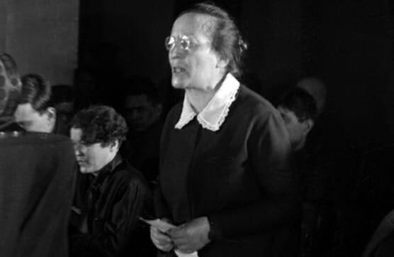 Товарищ Демон. Почему большевичку Землячку боялись даже ее соратники В знаменитом Доме на набережной, где жила партийная верхушка, Розалия Землячка была одной из самых титулованных.Ей же