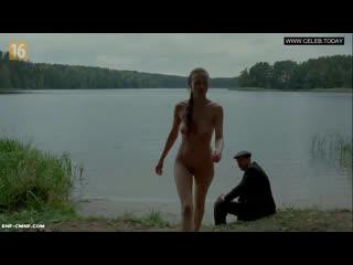 ENF, CMNF, застукали голой, отрывок из польского фильма  одетый мужчина застукал девушку за купанием голой