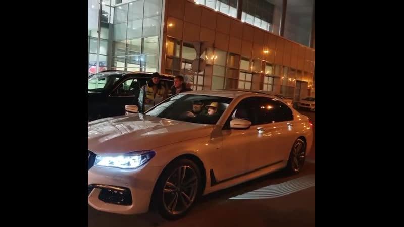 Новый BMW 7 серии по отличной цене отправляется к своему клиенту Поздравляем с покупкой Желаем успешной эксплуатации Доступн смотреть онлайн без регистрации
