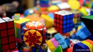 Собрал коллекцию почти из 500 кубиков Рубика. Посмотрите