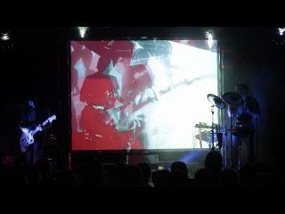 Dolphin - Свастика (live24.06.2011)