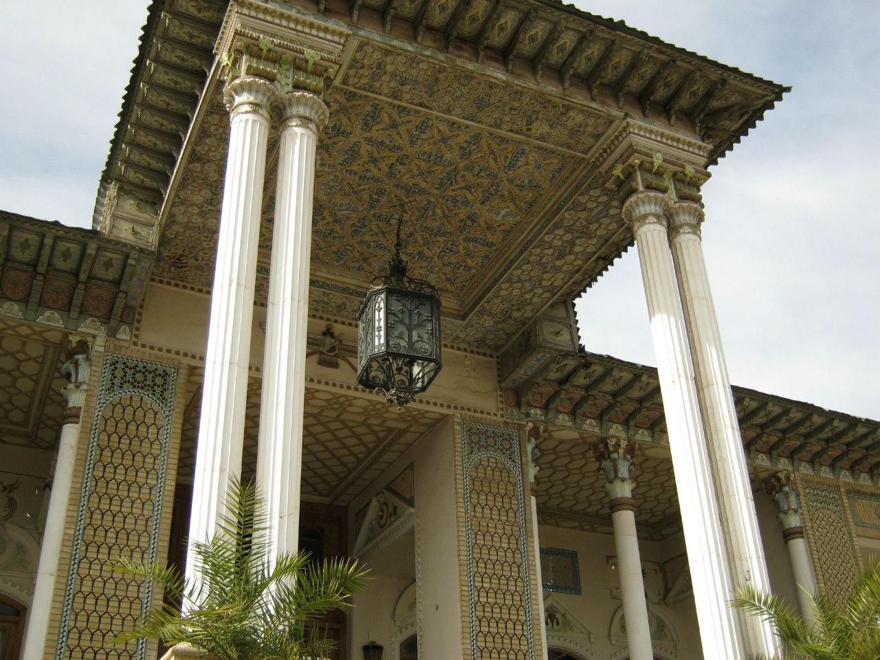 вход во дворец Афиф Абад Шираз