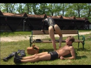 ''owk'' picnick in park