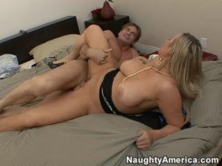Abbey Brooks порно