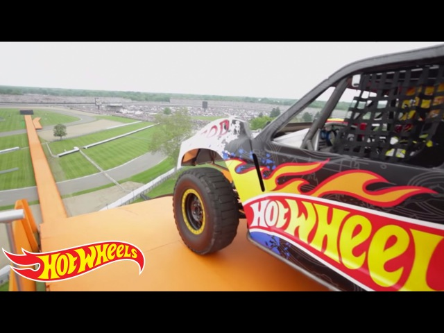 The Yellow Driver's World Record Jump Tanner Foust Team Hot Wheels Hot Wheels
