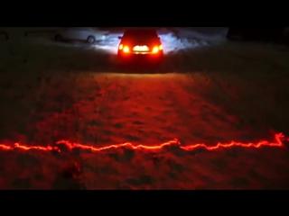 Лазерный автомобильный  стоп сигнал.