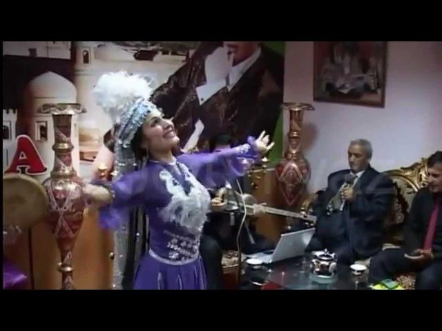 Узбекская песня Огабек Сабиров поет узбекскую песню Галар саллона саллона