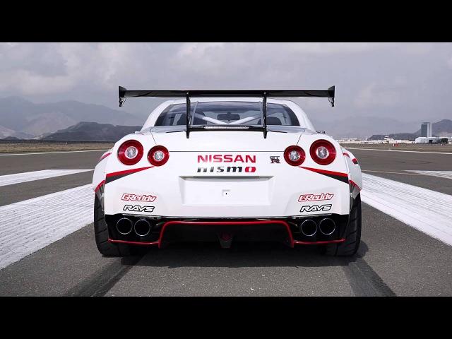 Реактивное скольжение Nissan GTR Втачке мир автомобилей