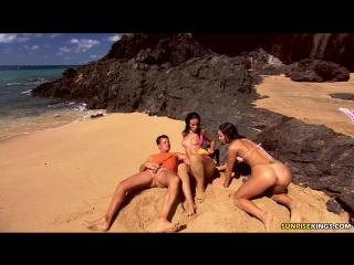 Sonia Red - VideoSunriseking - 30,05,10 Sonia Red & Simone Peach (Mandy Saxo)