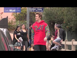 Justin Bieber Goes Running / Playing With Kids in Los Angeles, California