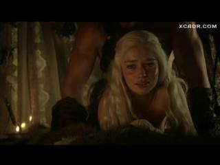 Эмилию Кларк жестко имеют сзади  Игра престолов (2011) _