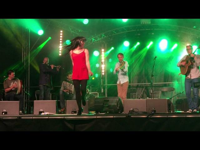 Téada w Samantha Harvey Emma OSullivan @ Fleadh Cheoil Gig Rig 2015, Sligo