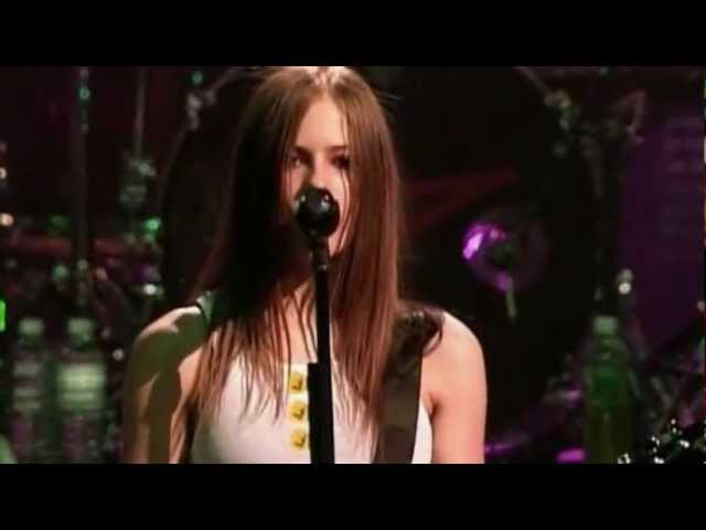 Avril Lavigne - (Things Ill Never Say - Live Version from Try to Shut me up Tour in New York 2003)