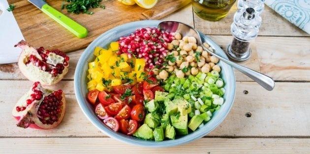 10 очень вкусных салатов со свежими помидорами, изображение №7