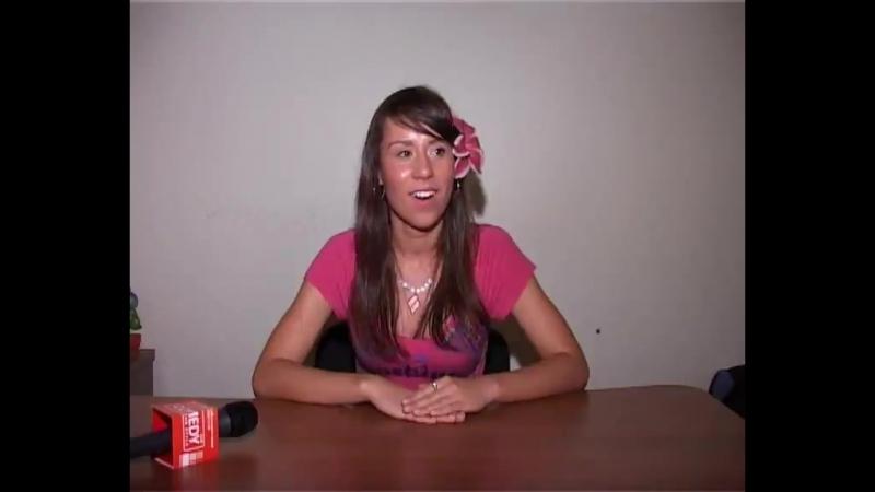 20 летняя девушка пошла на кастинг в Дом 2 а Сomedy club её перехватили и провели опросник