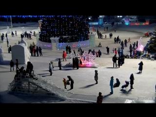 Веб-камеры К24: Барнаульцы наслаждаются главным снежным городком края последнюю неделю