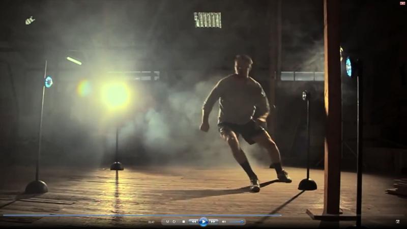 Рекламный фильм описывающий варианты использования Fitlight Trainer для тренировок различных групп мышц скорости реакции коор
