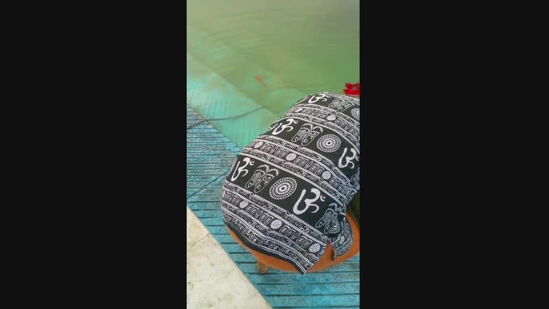 Гурудвара Бангла Сахиб (Бангласай) в Дели. Священный пруд Саровар.