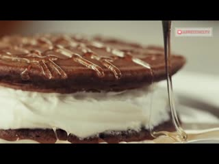 Необычайно нежные и воздушные американские шоколадные панкейки со сливочным кремом | Больше рецептов в группе Десертомания