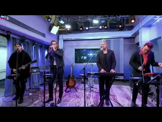 Heres a little taste of @5SOS performing Easier during their Celebrity Session with @Morni