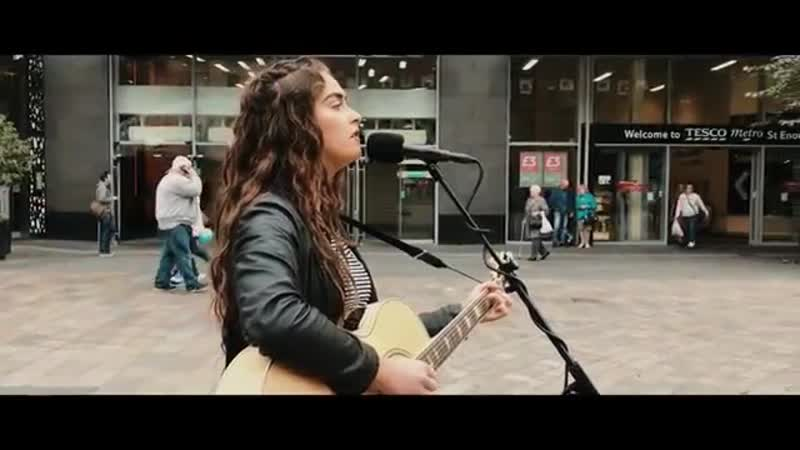 AMAZING 18yr old busker noticed by David Bowies record producer STREET SESS