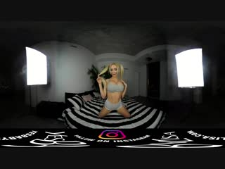 [360 VR 3D] YesBabyLisa - SEXY HOT Girl - BIG Boobs Virtual Reality Video - For