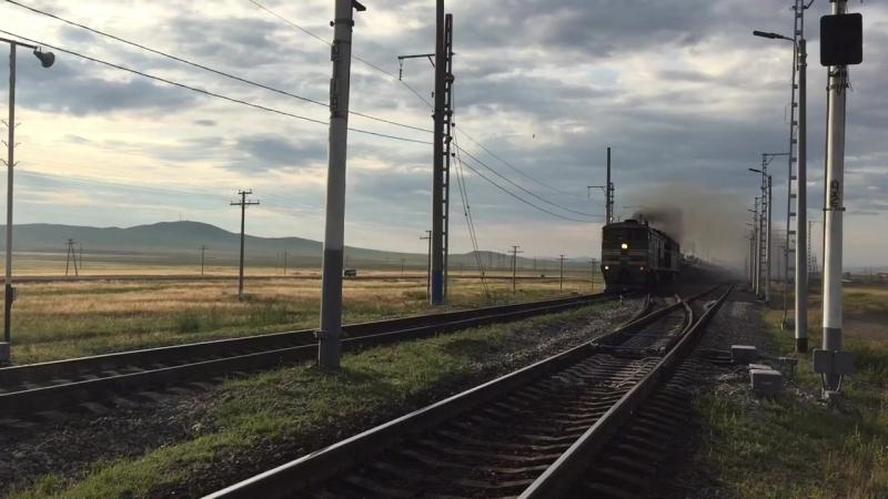 2ТЭ10М 2766 с воинским эшелоном КНР на перегоне Забайкальск Мациевская Забайкальская жд