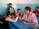 Армрестлинг в школе, с учительницей. Мега прикол, СИЛА / arm wrestling Russia school