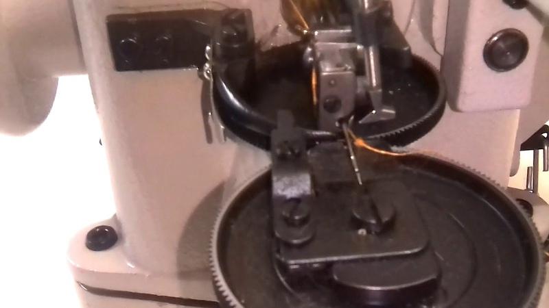 Заправка ниток в скорняжной швейной машинке