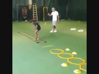 Очень интенсивная тренировка юного спортсмена