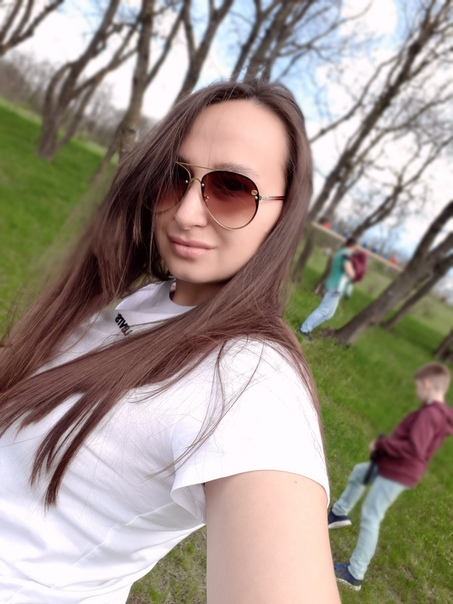Тоня Сергеева, Россия