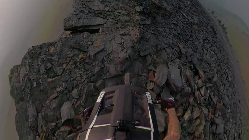 Reco Peak, cliff edge at Retallack Lodge