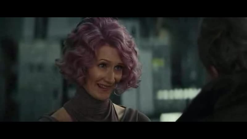 Эмилин Холдо делает таран против вражеского космического корабля Звездные войны Последние джедаи