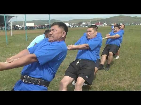 Соревнования по перетягиванию каната Зунай наадан 2019