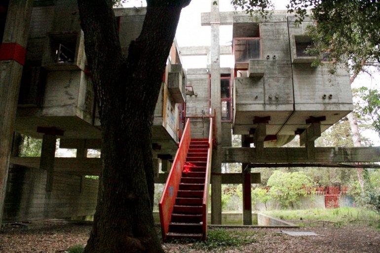 Интересные места нашей планеты Заброшенный дом Casa Sperimentale (Италия), изображение №3