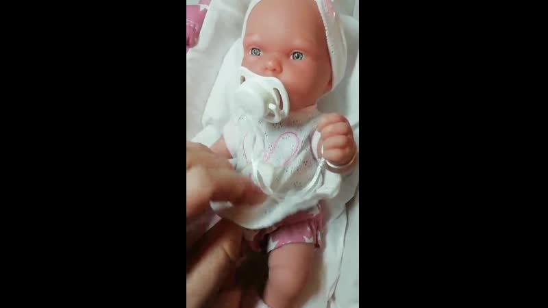 Виниловая малышка
