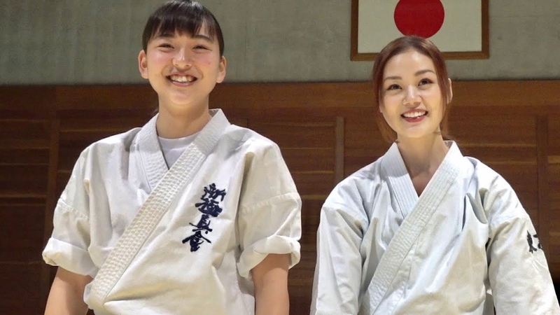 高速パンチ女子高生と伝統空手女子が蹴るよ!変則上段回し蹴り!High Speed Punch Girl Shinkyokushinkai and Shito ryu Karate Girl