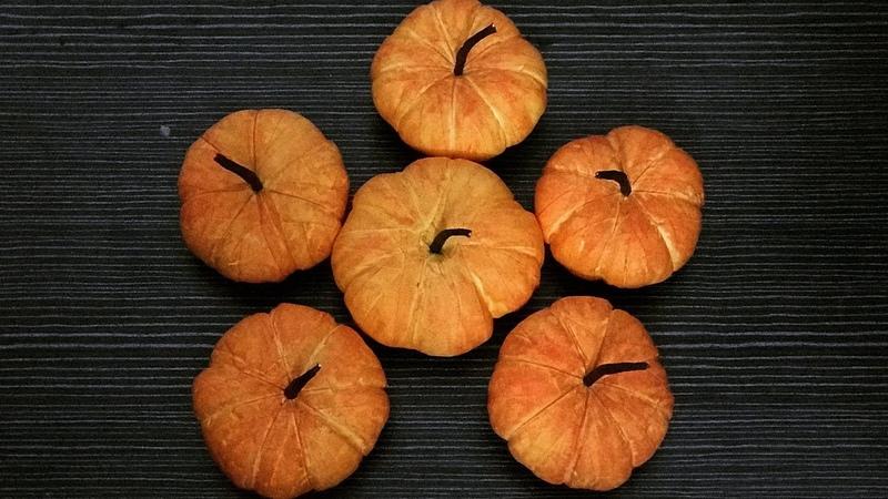 Bella's CraftHow to make pumpkin by cotton Hướng dẫn làm bí đỏ bằng bông gòn